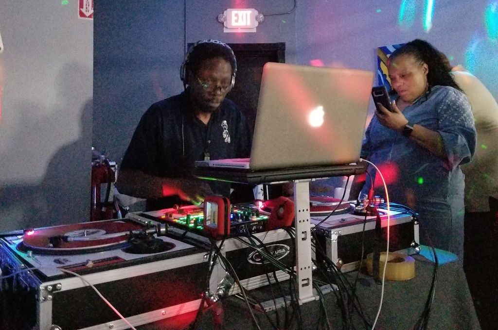 The Legendary DJ Jazzy Jay Live On The Set